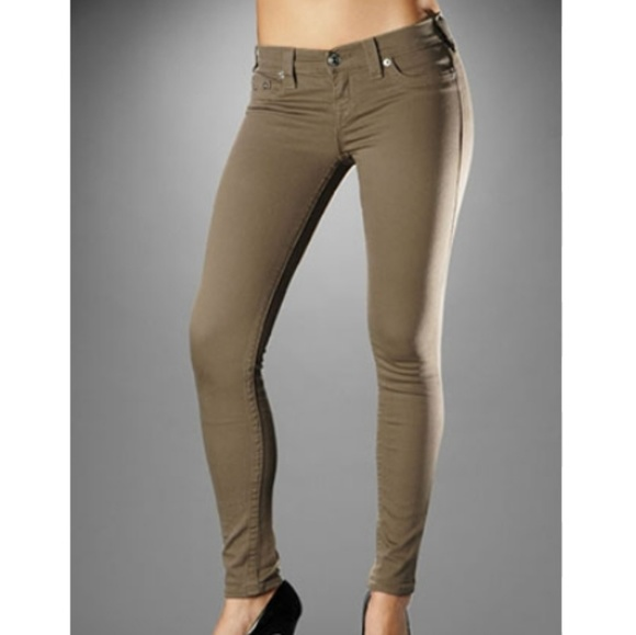 e1fa948ef80 True Religion Women Casey Legging Jean Khaki. M 5b1d6fa27386bcb01a26e355